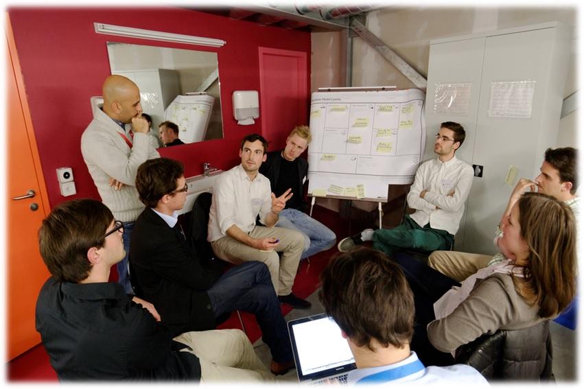Social Business Compartilhartilhando a inteligência coletiva - Setesys